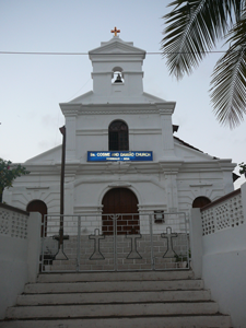 Church-of-Saints-Cosmas-and-Damien,-Bogmalo,-Goa