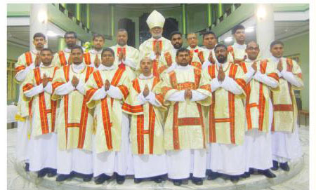 14 ordained deacons at Pilar Society